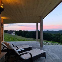 Abendstimmung Terrasse Ferienhaus Weinschlöss'l ©Liebe zur Steiermark