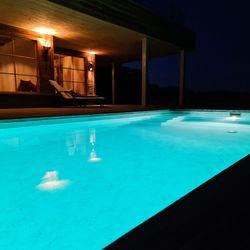 Pool nachts Haus Weinschlöss'l ©Liebe zur Steiermark