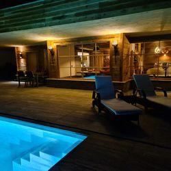 Terrasse & Pool nachts Haus Weinschlöss'l ©Liebe zur Steiermark
